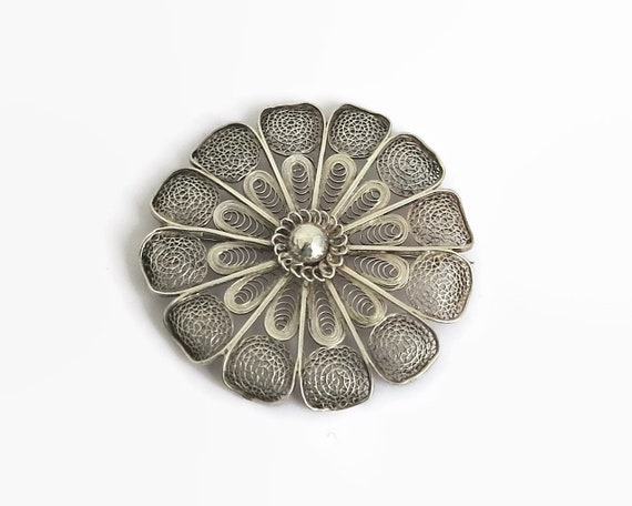 Large vintage European silver filigree flower brooch with fine metal work, c clasp, 2 inches / 5 cm across, 9 grams, circa 1940s