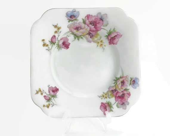 Vintage Colclough cake plate with multi colored ranuncula flowers, pattern number 4534, 8.75 inches / 22 cm across, mid 20th century