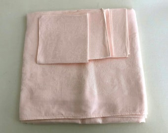 Vintage pale pink damask linen tablecloth and 4 napkins, vintage dead stock, 47 x 45 inches / 119 x 114 cm, circa 1960s