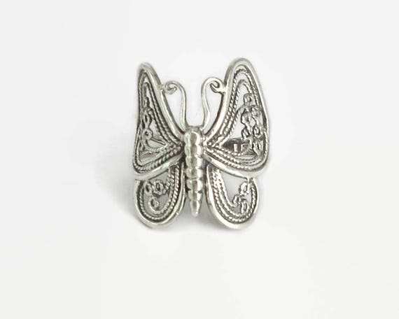 Sterling silver filigree butterfly ring, large butterfly, nice details, Boho ring, stamped 925, size O.5 / 7.25, 5 grams