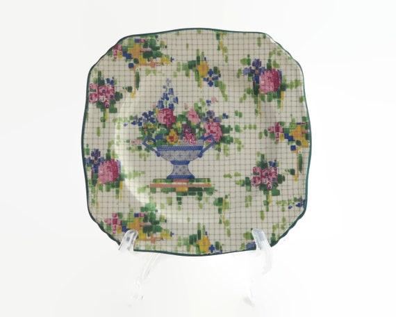 "Small vintage Royal Winton Grimwades plate, ""Pelham"" English chintz pattern, urn of flowers, 1930s"