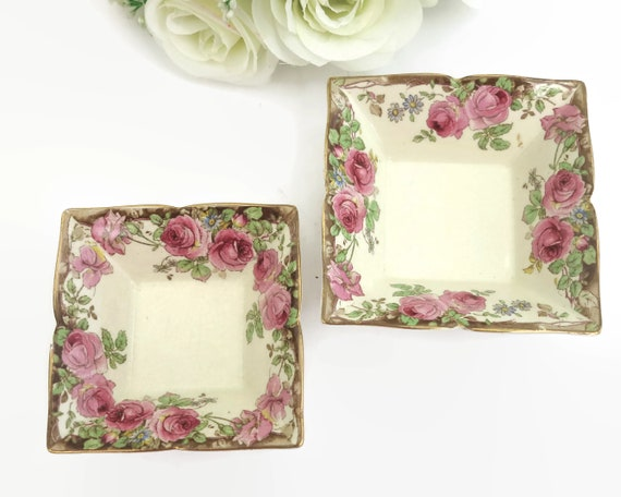 2 antique Royal Doulton trinket dishes with pink roses, English Rose, 1902 - 1922