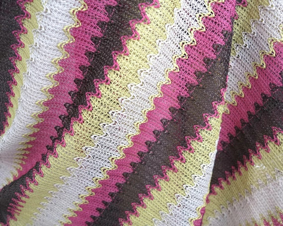 2 meters of woven chevron striped dress fabric in pink, brown, grey, yellow, looks like crochet fabric, 160 cm wide, cotton, new vintage