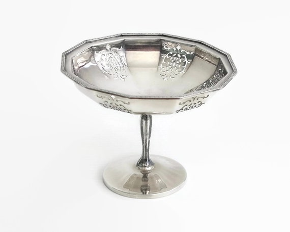 Small vintage sterling silver comport with pierced pattern, Birmingham, 83 grams, dish on pedestal, 1949