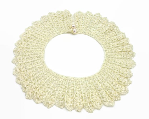 Hand crocheted lace collar, ivory color with 2 pearl buttons, beautiful work, beautiful condition, suitable for dress/ sweater, mid century