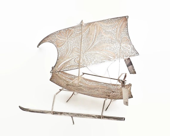 Silver filigree model of canoe with sail and outrigger, Indonesia, hand made, 48 grams of silver