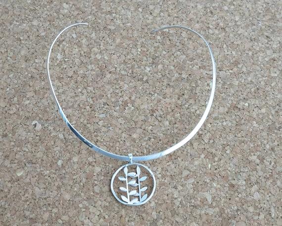 Sterling silver choker collar with botanical sterling silver pendant, sterling silver neck ring, shaped to hug neck, 18 grams