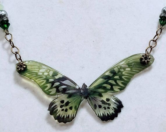 Soft Green Butterfly Elegant Necklace