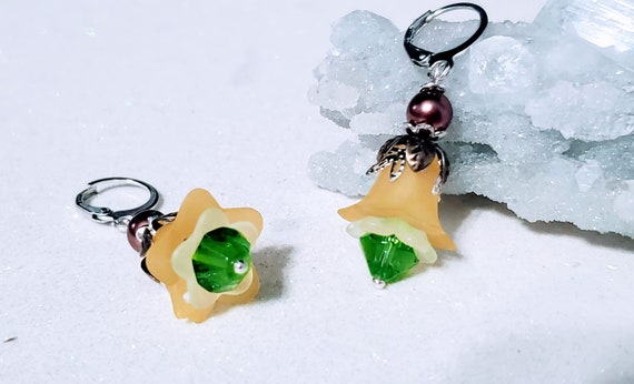 April Flowers - lucite earrings