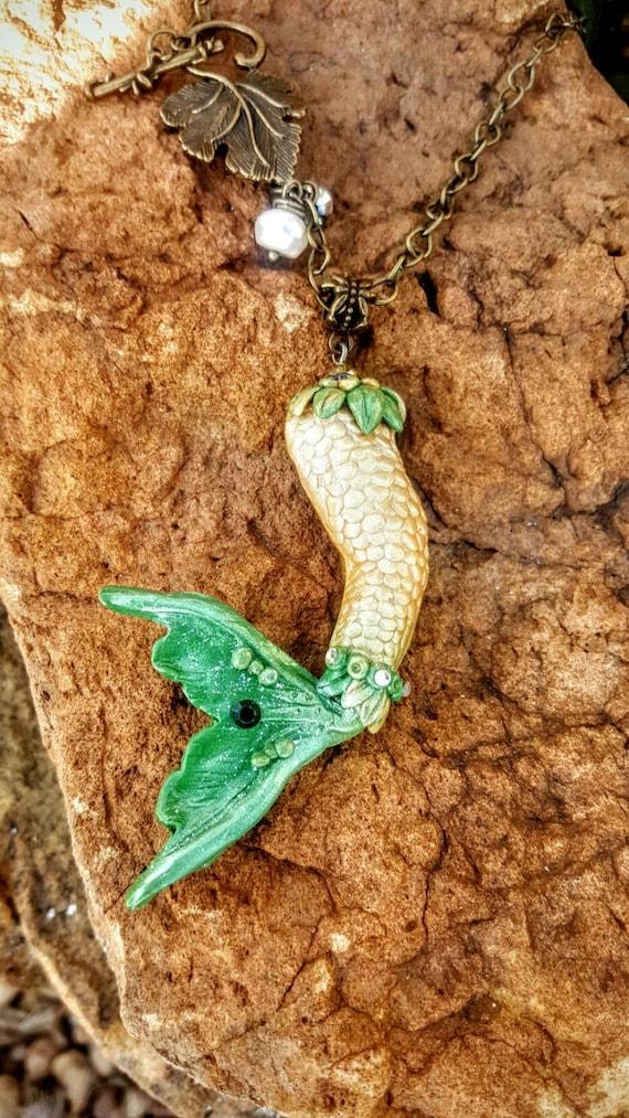 Mermaid Tail Pendant - Sela