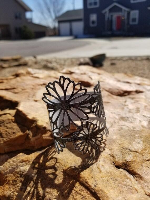 Sparkle Vinyl Cuff Bracelet - Daisies