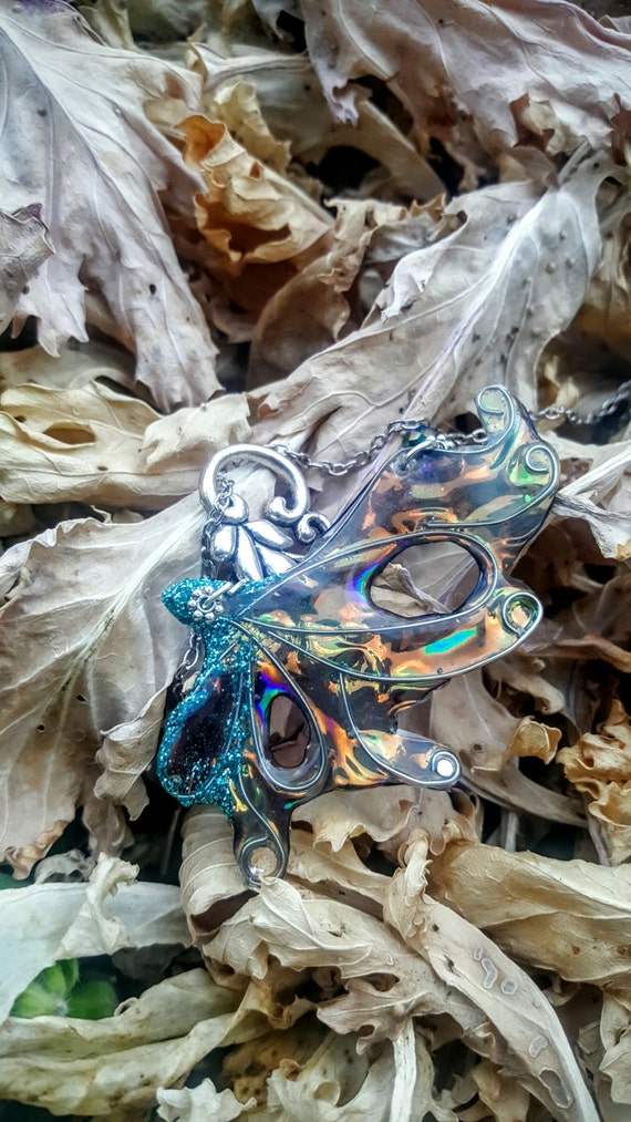 Fairy Wing Necklace - Volcano