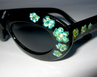 5cf114c864ae Unusual Hand Painted Sunglasses by Roni Dori. Model 6005 Vintage Black  Green flowers 1. Italy 60's inspiration