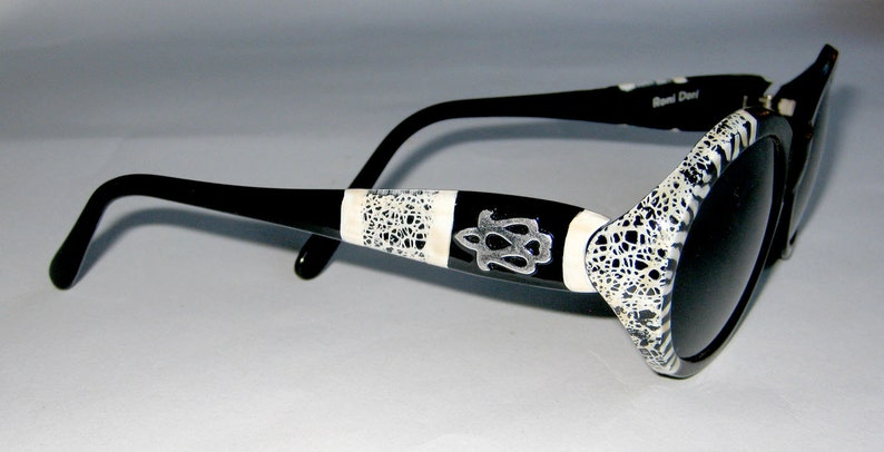 6d0c9eb38105 New & Original Hand Painted sunglasses by Roni Dori. Model | Etsy