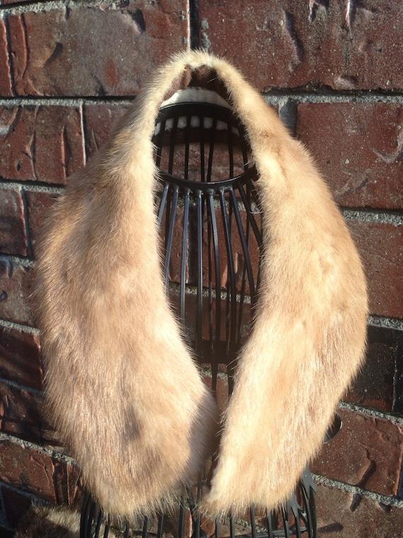 1930's White Muskrat Fure Scarf / Stole / Collar
