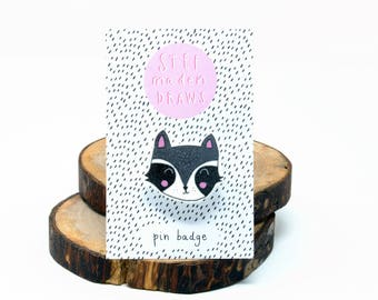 Raccoon brooch/pin