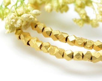 Diamond Cut Beads, 2.5mm, Matte Gold Beads, Tarnish Resistant Beads, Lead Free, Solid Brass Beads, 1.1mm Hole