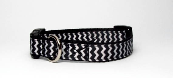 Soldes - collier de chien de Chevron noir et blanc - Small, Medium libération rapide 3/4 pouce de large