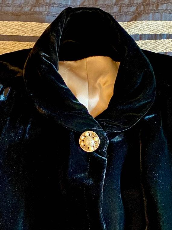 Vintage Black Velvet Opera/Swing Coat Large - XL w