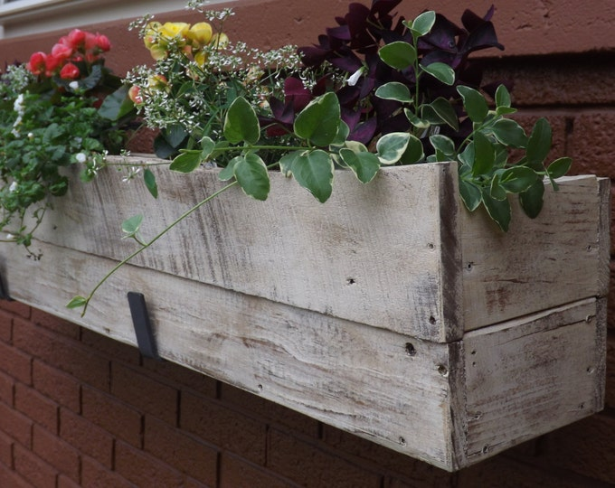 Wood planter box/Wood window box/Outdoor flower box