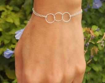 Eternity bracelet sister bracelet friendship bracelet bff bracelet three sister bracelet interlocking circle bracelet gift for her Infinity