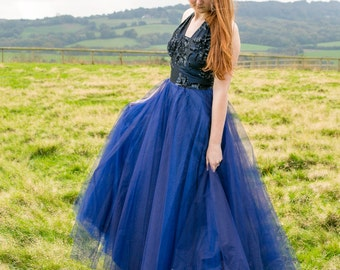 Stunning blue 1950s halterneck prom / evening dress with flocked bodice and tulle skirt