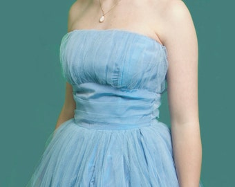 CINDERELLA, you shall go to the ball! - Stunning pale blue 1950s strapless tulle prom dress