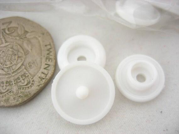 1000 T5 KAM branded White PLASTIC RESIN SNAPS BUTTON FASTENERS PRESS STUD POPPER