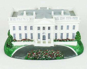 White House Homes of the Presidents Figurine Danbury Mint 1993