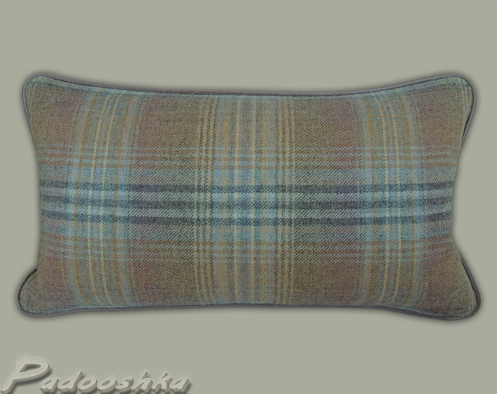 """VARIOUS SIZES VOYAGE /""""GAME BIRDS/""""-PIPED CUSHION COVER WITH BLUE//CREAM TARTAN"""