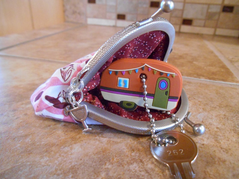 Small Fabric Coin Purse with Martini Print /& Kiss Clasp