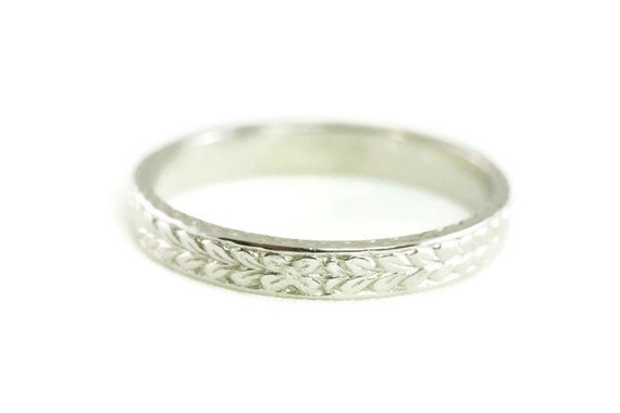 Raised Floral Antique Art Deco Styled 14kt White Gold Wedding BandRing