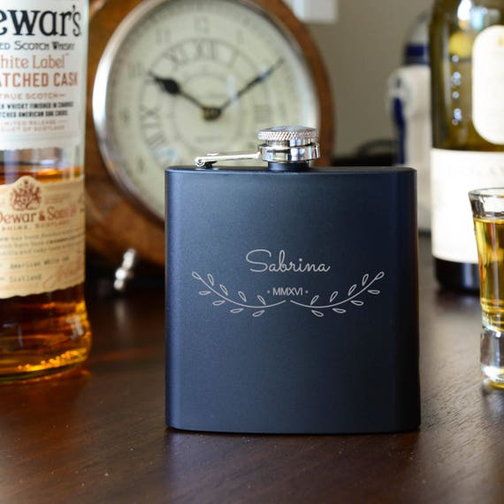 Personalized flask | bride black flask | bridal shower | engagement gift | name on flask | wedding party gift | bridesmaid flask | #FSK006