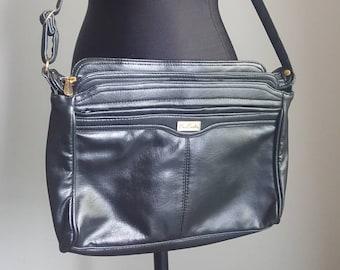 Vintage Designer Pierre Cardin sac côté grande besace en cuir avec des tonnes de poches