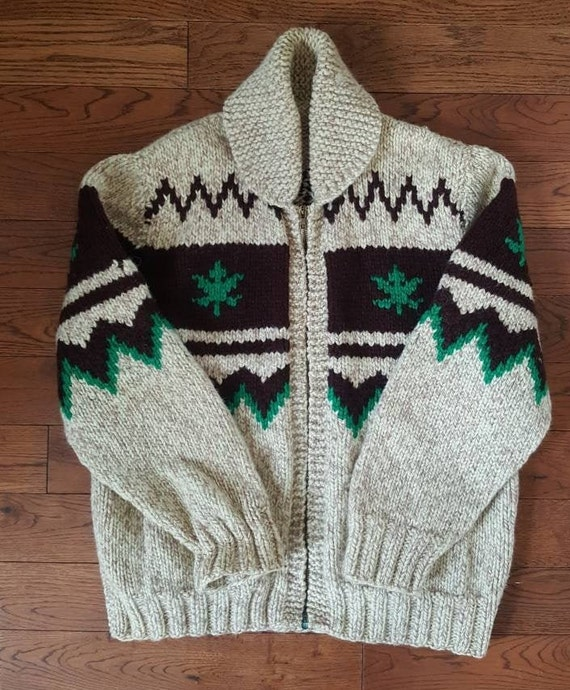 Vintage Green Chunky St Patrick/'s Day Sweater  Pullover Sweater Woman/'s Small Hand Knit