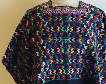 "Beautiful Vintage Huipil 1950s Hand Embroidered Top Poncho 35"" x 50"" - B8"