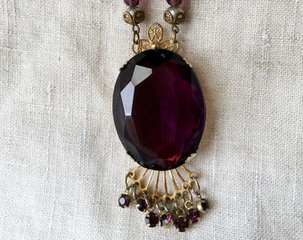 Victorian Revival Amethyst Glass Necklace, Amethyst Glass Pendant, Gold Tone, Unsigned, KC037