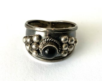 Vintage Southwestern STERLING Silver Wide Band RING BLACK Stone Onyx Size 10-12 Handmade