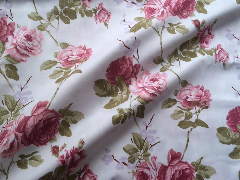 Price per 1//2 metre Shabby Chic Purple Roses 100/% Cotton Fabric