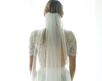 Veil Wedding, Fingertip Veil , Soft Sheer Wedding Bridal Veil , Short Tulle Veil , Gift