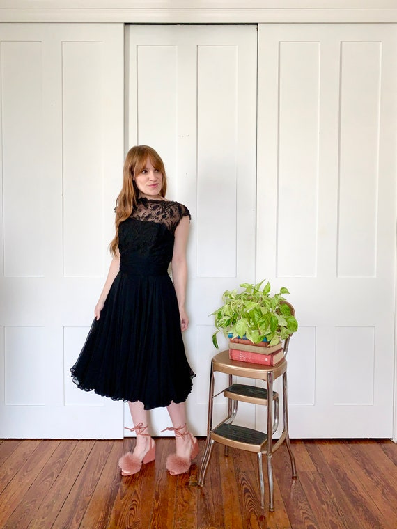 Xs/S 1950s Black Lace and Chiffon Cocktail Dress