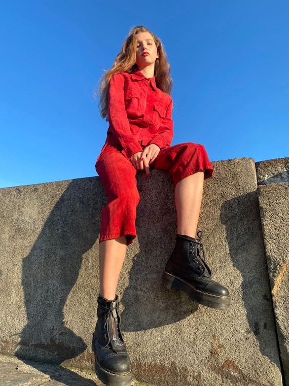 Vintage western style red suede two piece capri pa