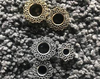 Hand crafted mandala brass tunnel, Gauged Earrings, silver colour or antic gold color, flower tunnel; mandala