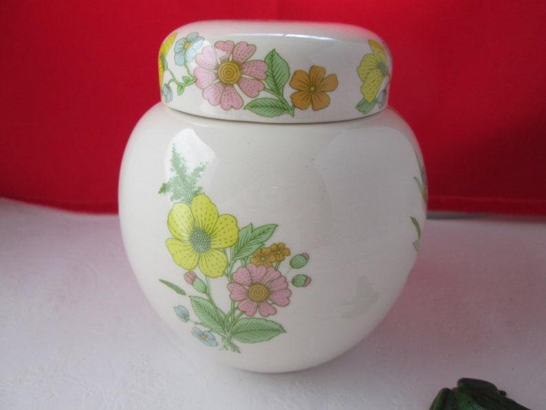 Vintage Sadler English Porcelain Ginger Jar w Spring Flowers Tea Caddy Tea Jar Floral ginger jar  flower ginger jar English jar storage jar