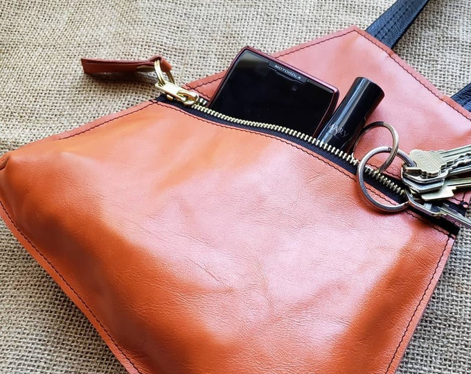 Wristlet Bag / Handbag / Hobo Bag / Wristlet Purse / Top Handle Bag / Wristlet Wallet