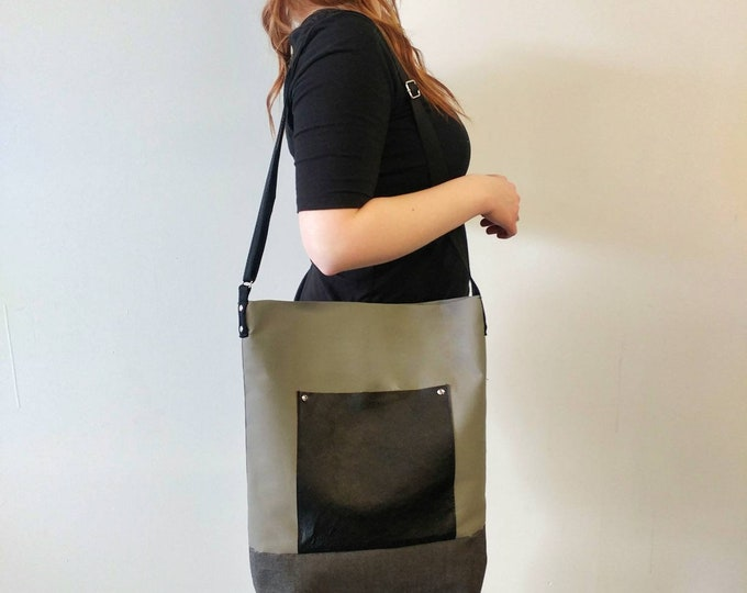 Mamzelle Valerie - Bag fourretout with Pocket Leather canvas red grey black green or Teal polka dot tote bag screen print