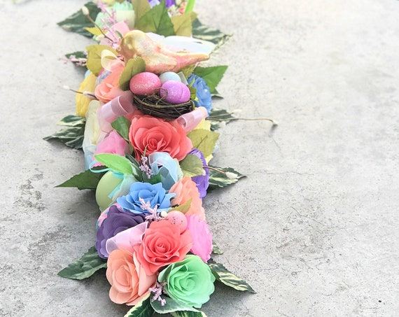 Easter paper flower table runner - Easter Decor