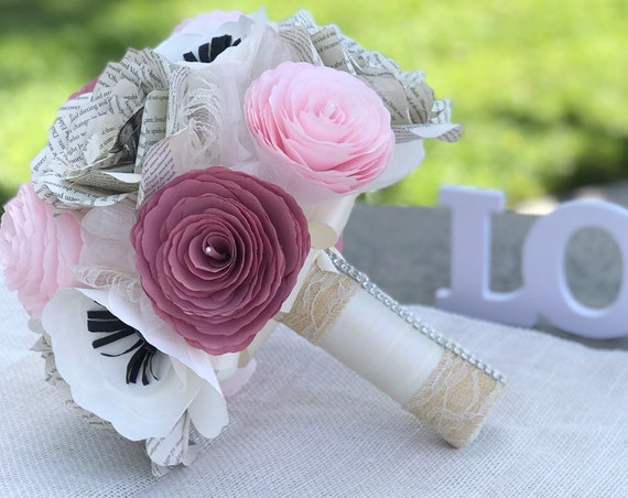 Paper flower alternative bridal bouquet - Customizable colors