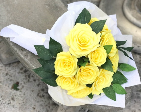 Yellow Paper Flower Gift Bouquet - Mother's Day Flowers - A Dozen Yellow Roses