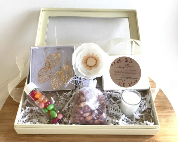 Gift Box for Women - Gold Necklace gift box